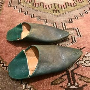 Pointy Babouche Camel Leather Moroccan slippers